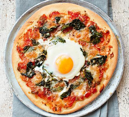 8 eggs florentine pizza