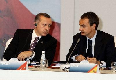Erdogan y Zapatero, juntos en Madrid. (Foto: Publico.es)