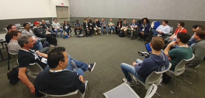 Tous les participants du Real Python Open Space assis à PyCon