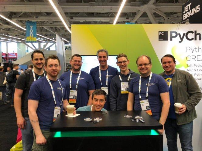Photo de l'équipe Real Python à la conférence PyCon 2019