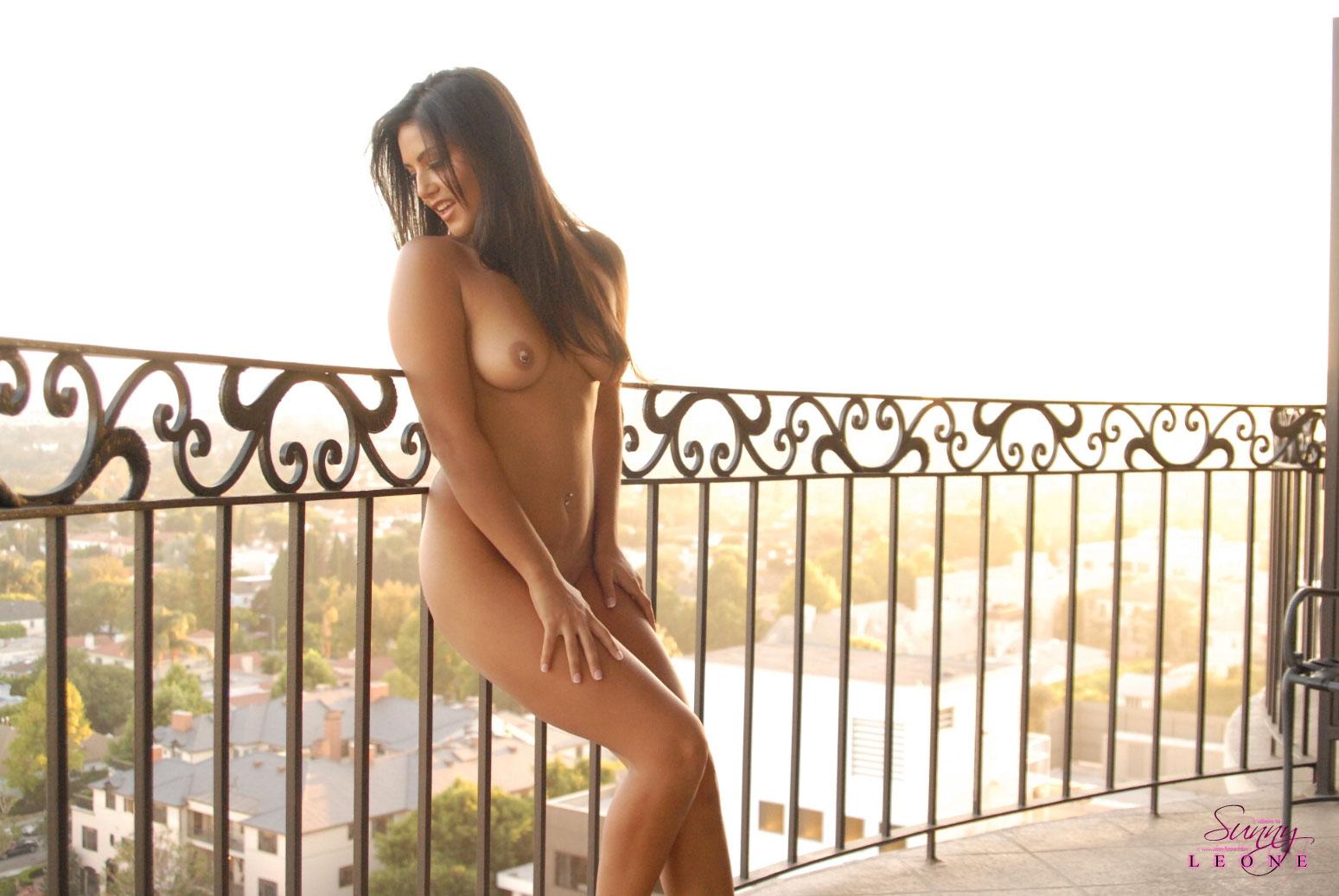 Sunny Leone, brunette, nude, outdoors, piercings