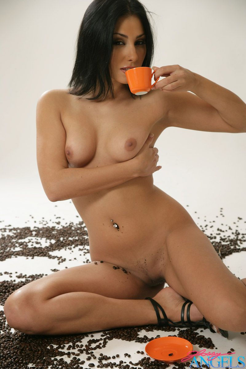Anetta Keys, brunette, nude, coffee, beans, froth