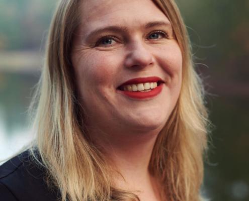 Debbie Dussel