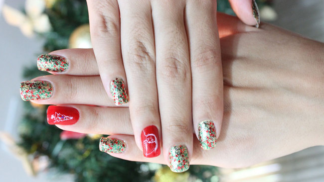 Get Glamorous In Glasgow With Festive Nail Art That Will Dazzle