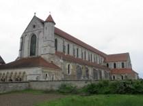 PONTIGNY: elewacja pd. kościoła / nave of the church