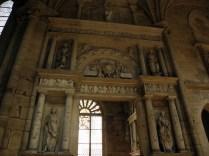 SEMUR-EN-AUXOIS: trochę klasycyzmu / some neo-classicism in the Gothic church