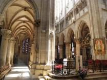 SEMUR-EN-AUXOIS: arkady prezbiterium kolegiaty / ambulatory of the church