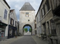 NOYERS: Porte d'Avallon