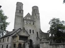 JUMIEGES: fasada zachodnia kościoła / west facade of the abbey church
