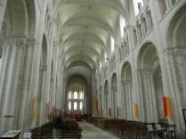 BOSCHERVILLE: NAWA GŁÓWNA KOŚCIOŁA ŚW. JERZEGO / NAVE OF ST. GEORGES CHURCH