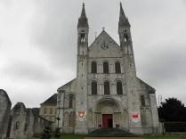 BOSCHERVILLE: FASADA ZACHODNIA KOŚCIOŁA / WEST FACADE OF THE CHURCH