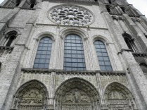 CHARTRES: OKNA I PORTALE FASADY ZACH. / WINDOWS AND PORTALS OF WEST FACADE