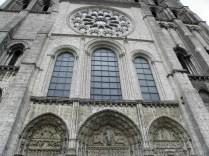 CHARTRES: OKNA I PORTALE FASADY ZACH. / WINDOWS AND PORTALS OF WEST FACADE