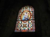 CHARTRES: WITRAŻ W KOŚCIELE ST-PIERRE / STAINED-GLASS OF ST-PIERRE