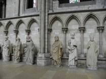 ROUEN: FIGURY APOSTOŁÓW Z FASADY / FIGURES OF APOSTLES FROM THE FACADE