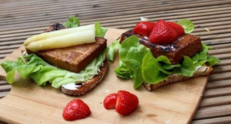 Geröstetes-Brot-mit-Tofu