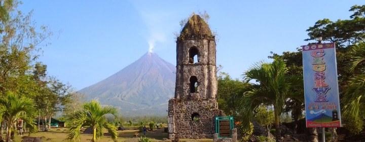 Cagsawa Ruins + Mayon Vulkaan