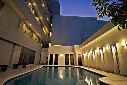 Zwembad Hotel L01 - Legazpi, Albay, Luzon, Filipijnen