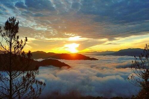 Kiltepan Peak zonsopkomst - Sagada, Luzon, Filipijnen