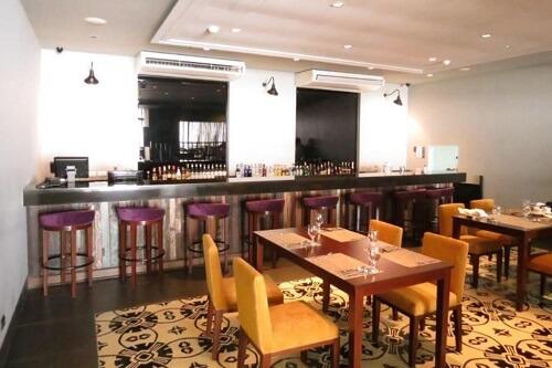 Restaurant & bar hotel M03 - Manilla, Filipijnen