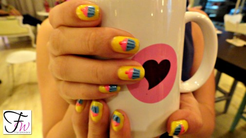 One of our blogger friends and her cupcake nails. Pretty!