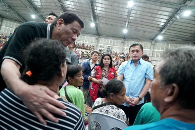 President Duterte vows permanent housing for Cebu landslide victims