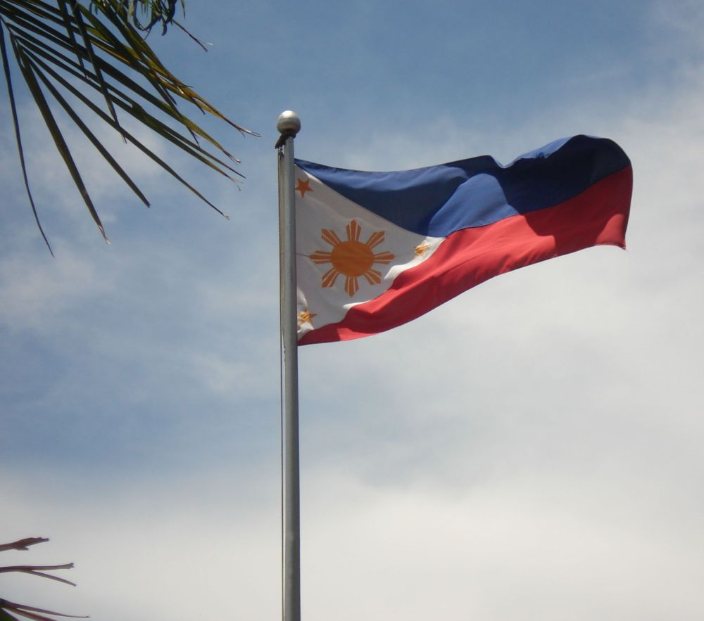 Desecrating the Philippine flag (4/4)