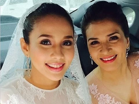Karylle with Superstar Mom Zsa-Zsa Padilla