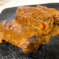 【本格的】低温調理で作るスペアリブが旨みと肉々しさたっぷりで素晴らしい!