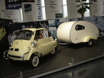 bmw-isetta-and-trailer