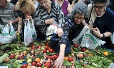 Grecia-cibi-scaduti-per-combattere-la-crisi