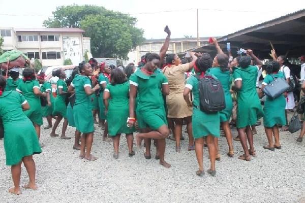 NURSES health workers (nursing assistant)