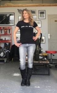 tee shirt moto noir pour les femmes qui roulent en moto