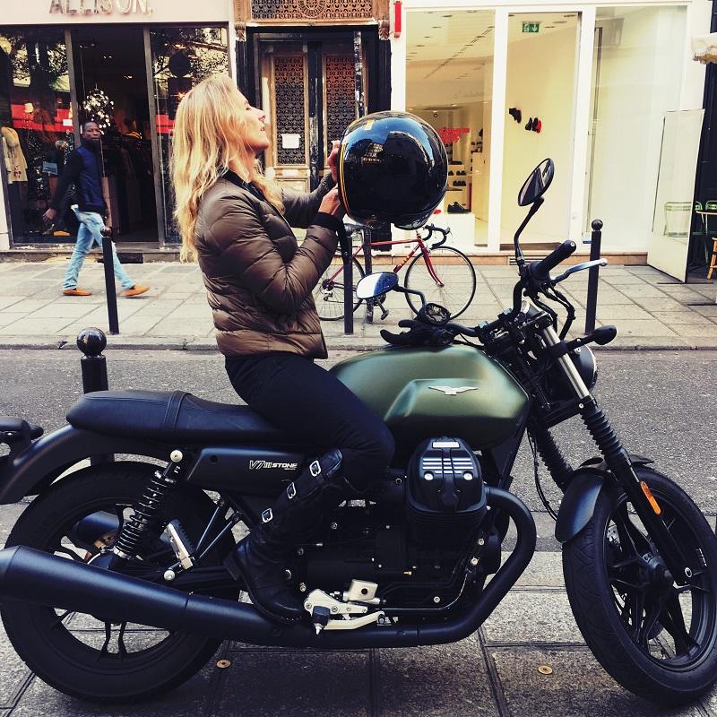 fille au guidon vetements et accessoires femme moto