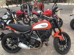 essai motos Ducati A2 par Fille Au Guidon