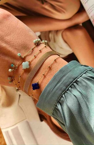 ZAG Bijoux Armband – Lichtblauwe Bedeltjes Goud