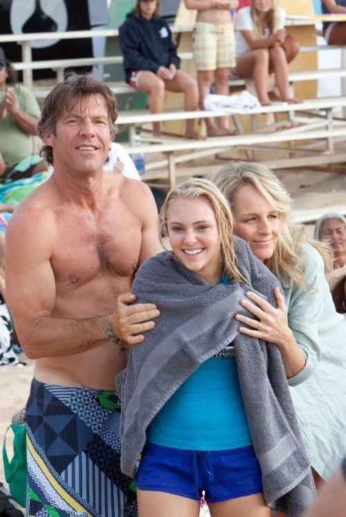 AnnaSophia Robb, Dennis Quaid, Helen Hunt, Soul Surfer, 2011, First Photo