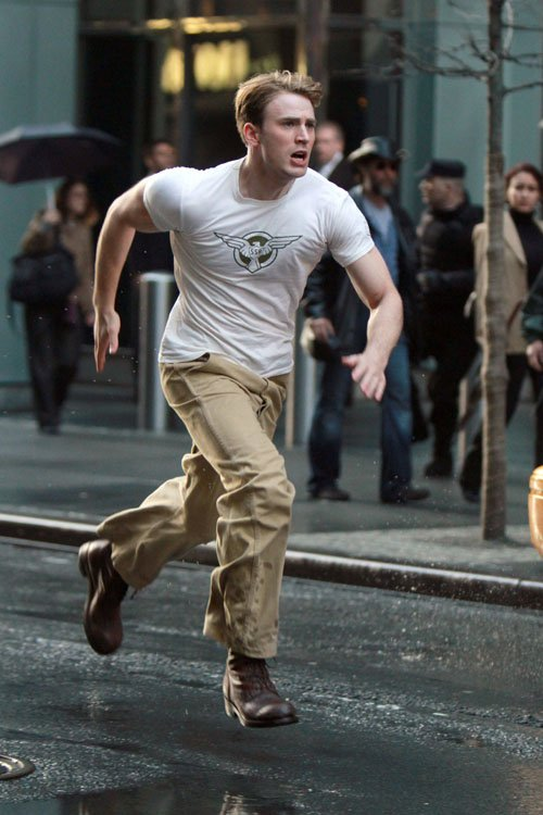 Chris Evans, Captain America: The First Avenger, New York City, Set, 06