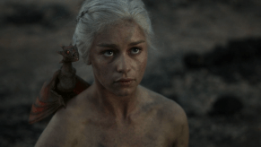 Emilia Clarke, Game of Thrones, Fire and Blood, 02