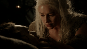 Emilia Clarke, Jason Momoa, Game of Thrones, Fire and Blood, 01