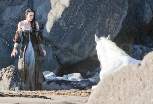 Kristen Stewart, Wet Dress, Snow White and the Huntsman 2012, Set 04