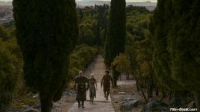 Iain Glen Emilia Clarke Game of Thrones Valar Morghulis
