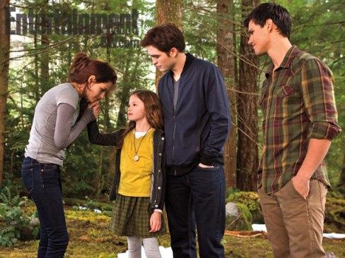 Kristen Stewart Robert Pattinson Taylor Lautner Mackenzie Foy The Twilight Saga Breaking Dawn Part 2 Entertainment Weekly