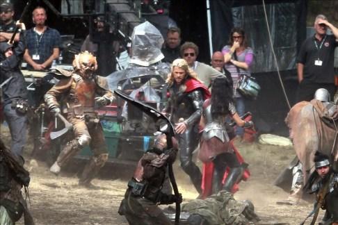 Chris Hemsworth Jaimie Alexander Thor The Dark World