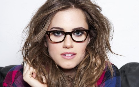 Allison Williams Glasses