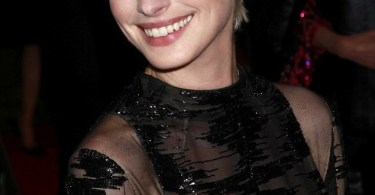 Anne Hathaway Blonde Hair Met Ball 2013