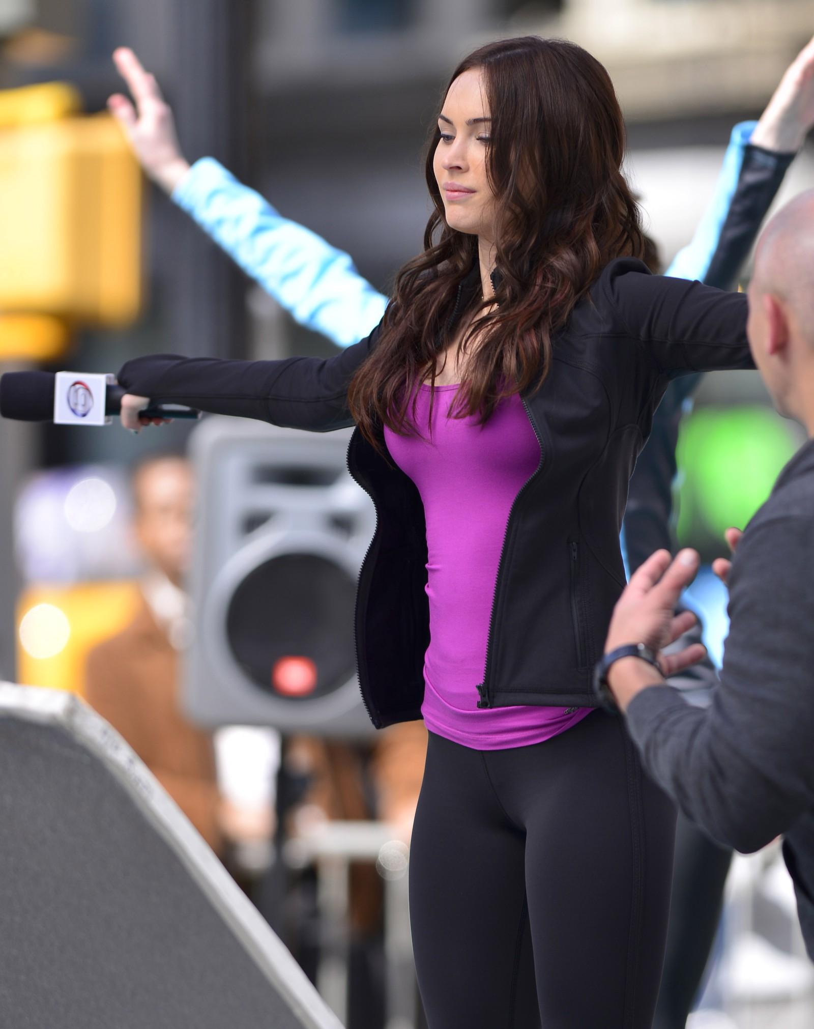 Megan Fox Teenage Mutant Ninja Turtles Set 01 1600x2022 Filmbook