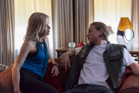 Charlie Hunnam Kim Dickens Sons of Anarchy Straw
