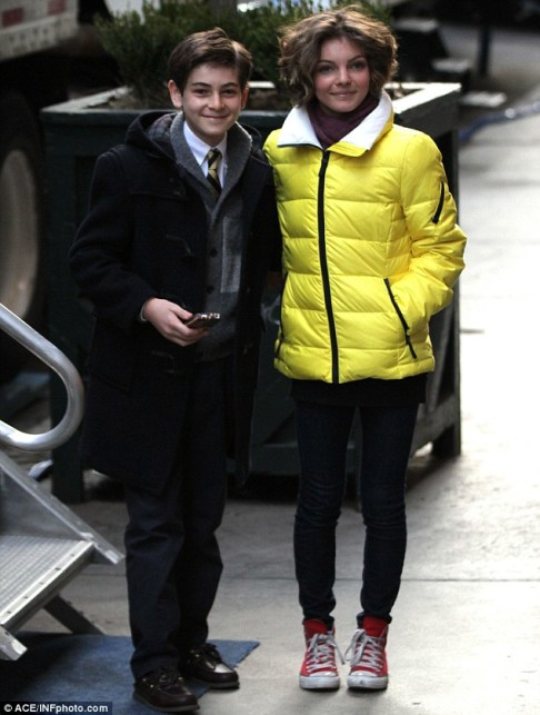 David Mazouz Camren Bicondova Gotham set