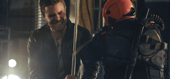Stephen Amell Manu Bennett Arrow The Man Under the Hood